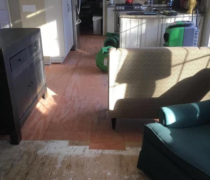 This image gives a clear look of the kitchen after the SERVPRO mitigation team came in